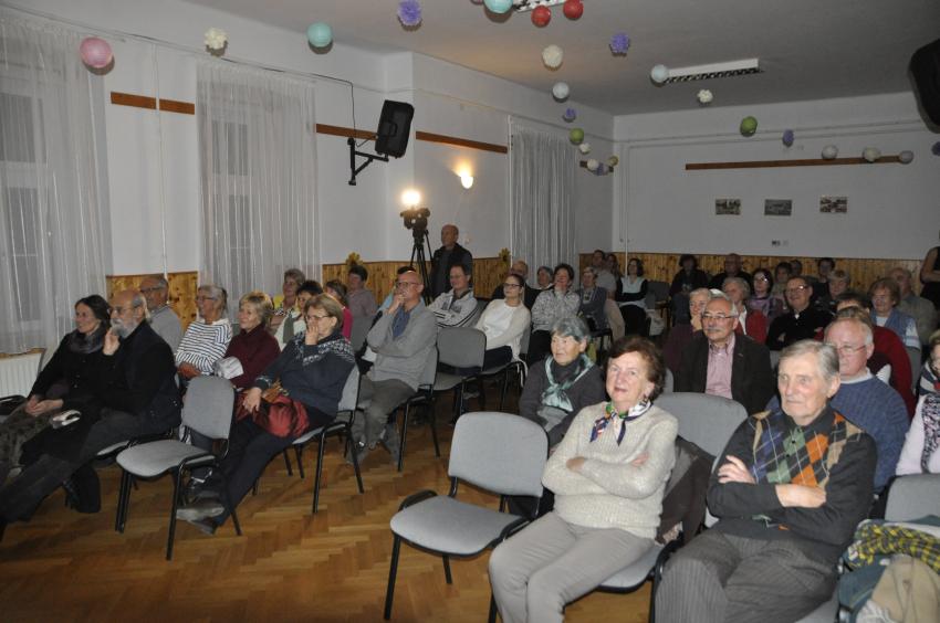 Hazajáró közönségtalálkozó