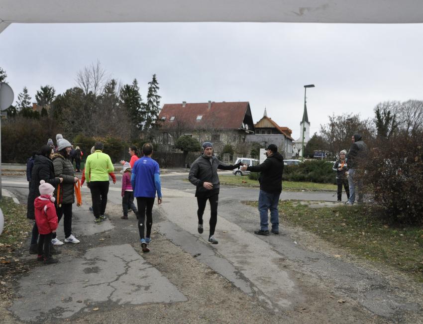 Karácsonyi vásár és futóverseny