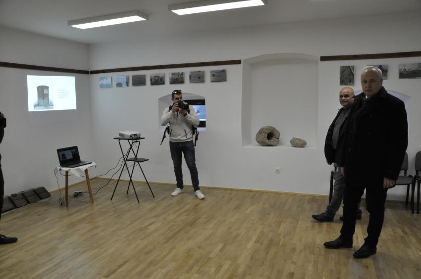 Képeken a Balaton utca és a Magtárház átadója, valamint második értéktár megbeszélésünk
