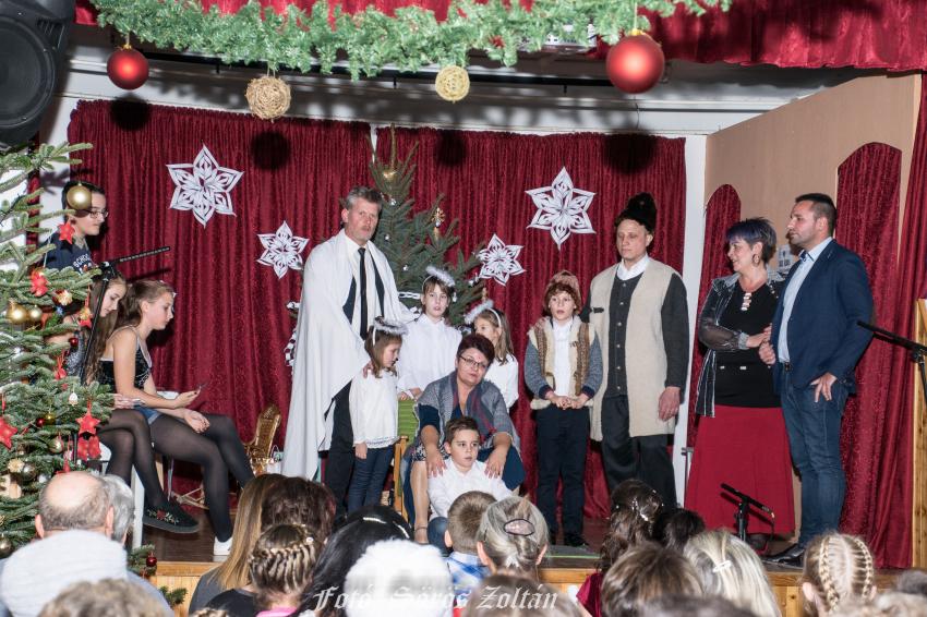 Akali Karácsony 2018