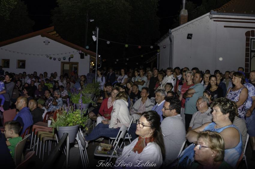 Zsíroskenyér-party