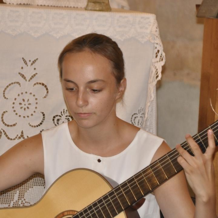 Templomi gitárkoncert és a filmvetítés képekben