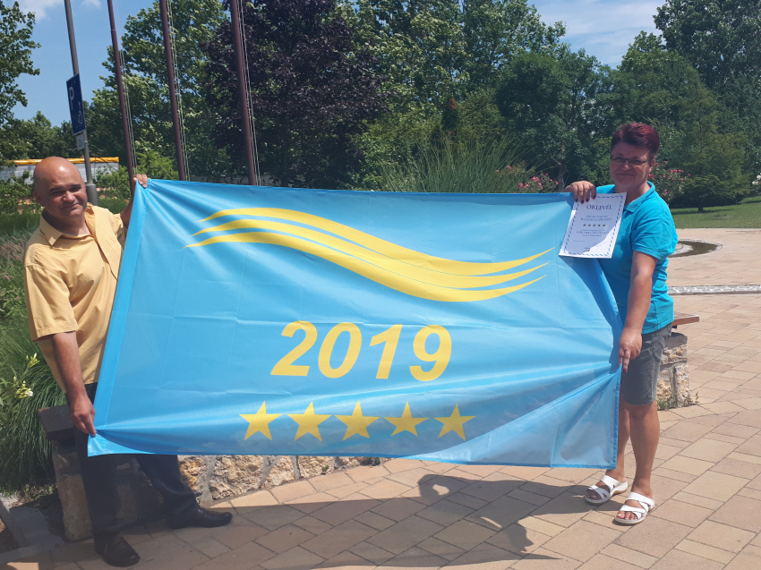 Kék hullám zászló