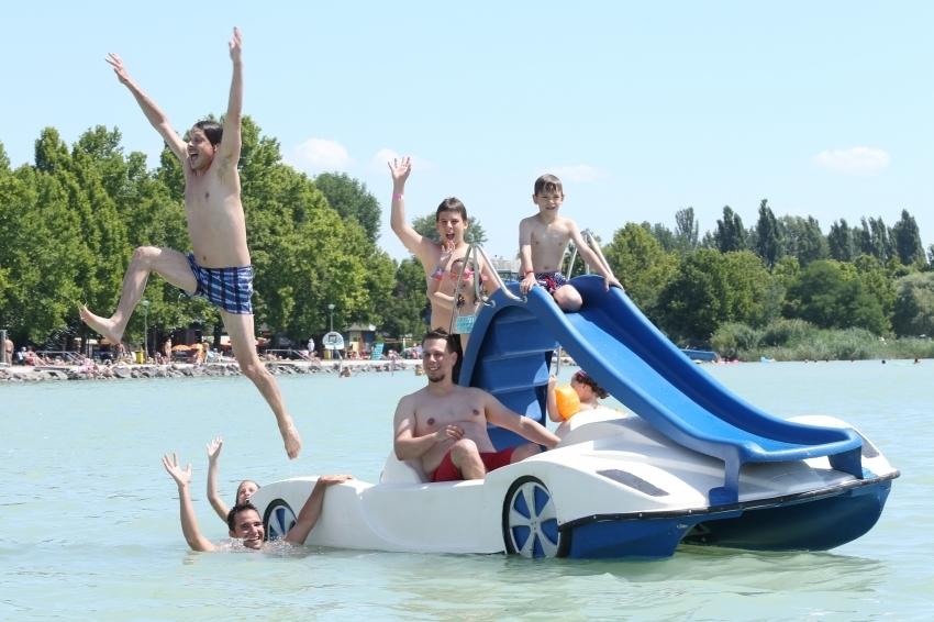 Vízi sportnap a Strandon