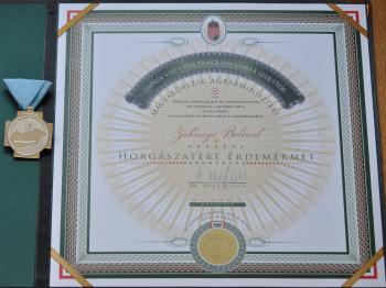 Zákonyi Botond kitüntetése