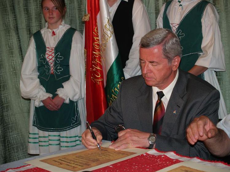 Kövend - szerződés